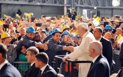 Papa Francesco: «Il welfare aziendale tra gli elementi importanti che tengono viva la dimensione comunitaria di un'azienda»